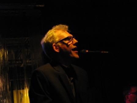 Kevin Reed singing live at Plan B Microlounge