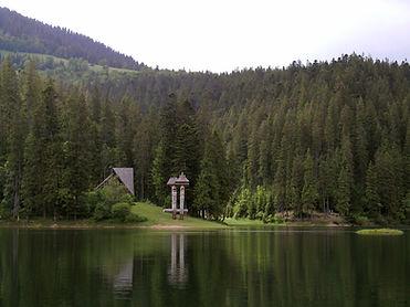 Synevyr_lake_1.jpg