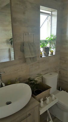 Benoni B&B Room 2 Bathroom | 50 Homestead Street B&B