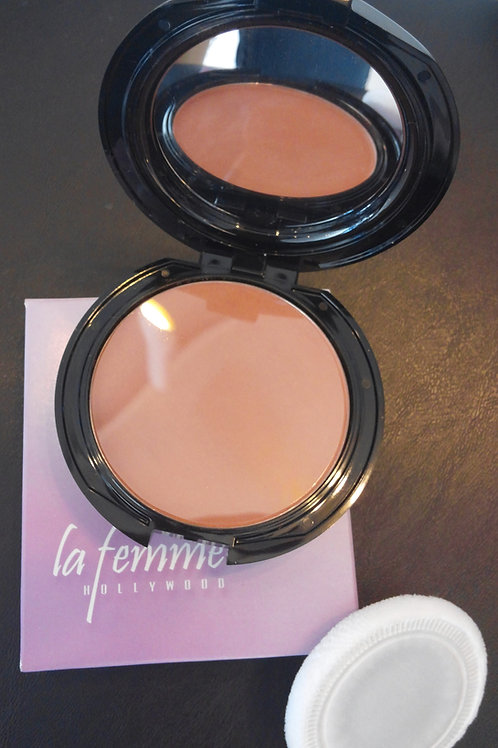 LA FEMME Pressed Powder Compact