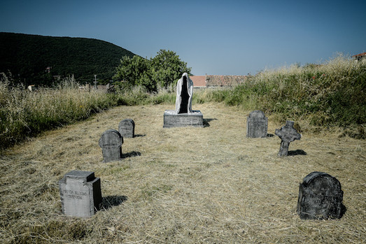 Il cimitero di Borgotorvo Arcaniversitas e la Sfinge Nera Flavio Mancinelli ph