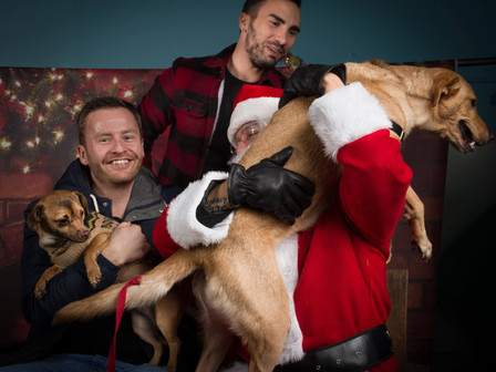 Be that person who brings your pets to SANTA PAWS!!