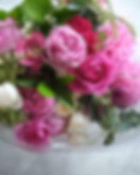 お誕生日の花束です__冬の方が_ピンクの_バラの発色が綺麗__#花束 #花屋 #