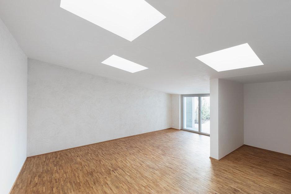 architektur nebenraum mit oberlichtern