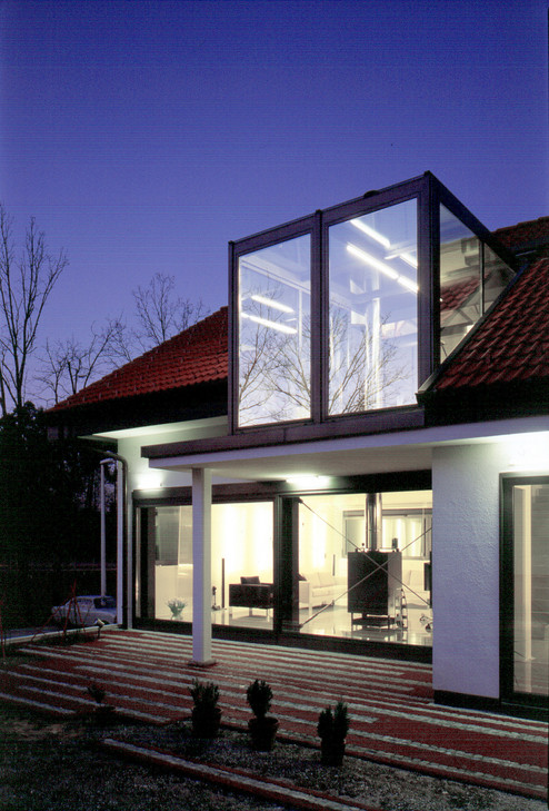 studio db ai house D1 glass facade to garden