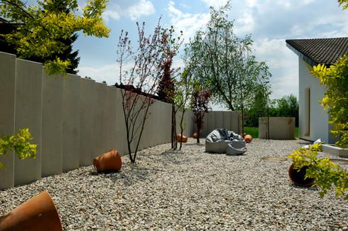 studio db ai atrium pebble garden (4)