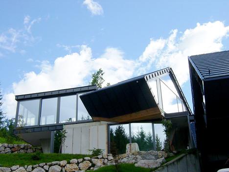 studio db ai amphibian contemporary hill house architecture