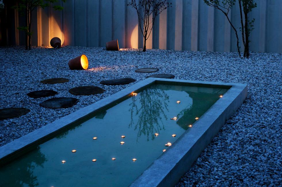 studio db ai atrium water garden magical water mirror