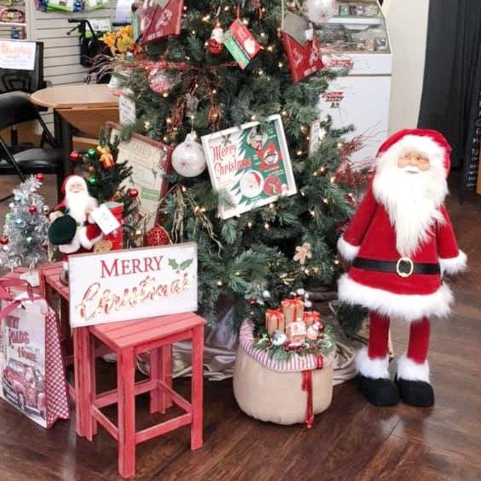 Seasonal gifts and decor