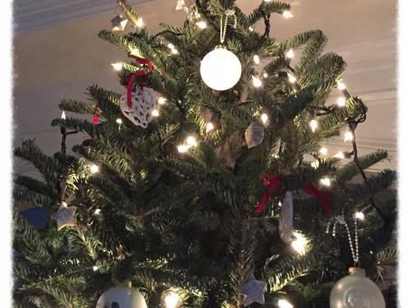 Day 19: The Light~est Christmas Ball