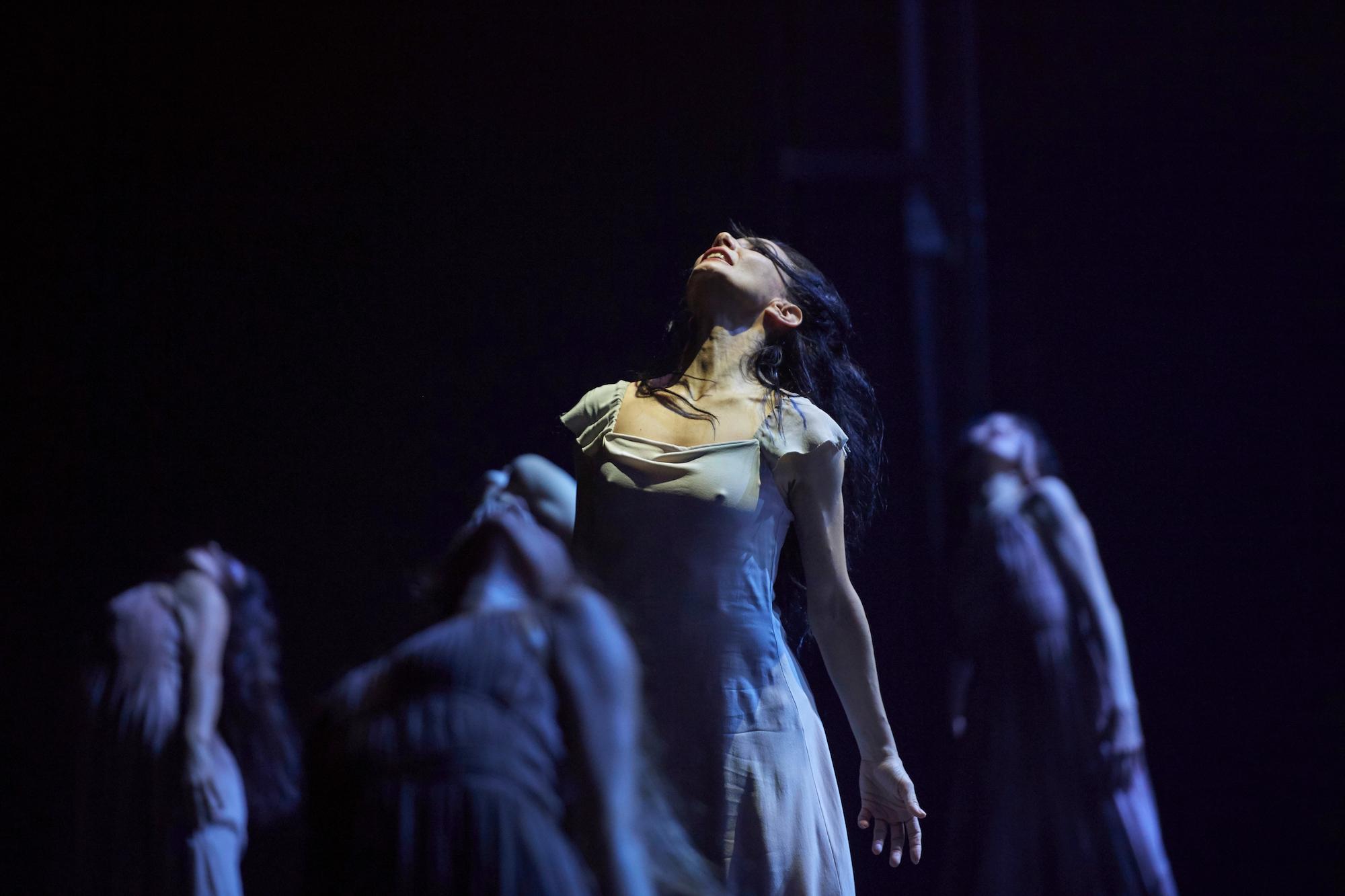 Akram Khan-Giselle. Photo Laurent Liotardo