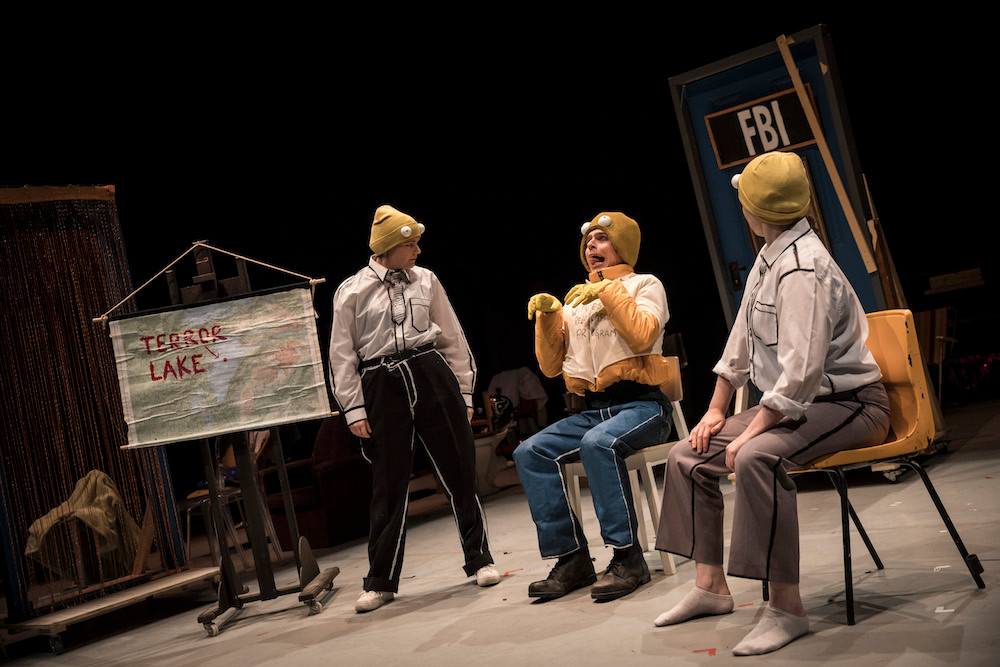 Mr.Burns, a ost Electric Play. Photo by Set Murray