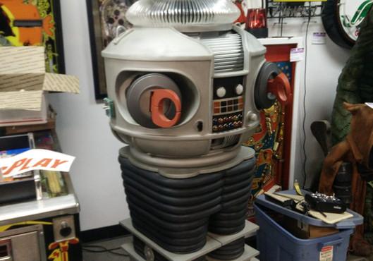 B-9 Robot 03.jpg