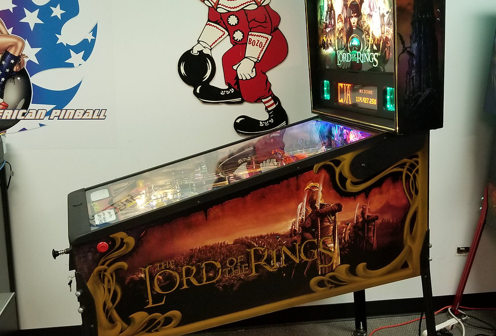 Lord of the Rings pinball machine | Stern