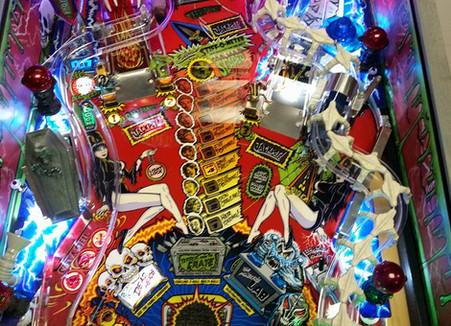 Custom Scared Stiff Pinball Machine 013.jpg