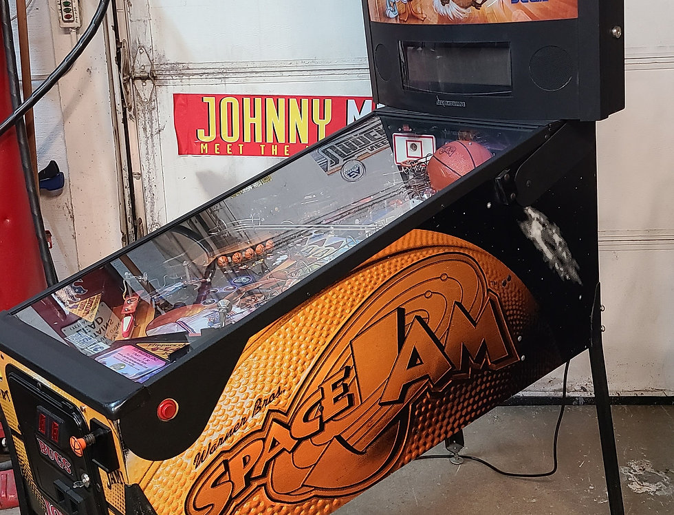 Space Jam pinball machine | Sega