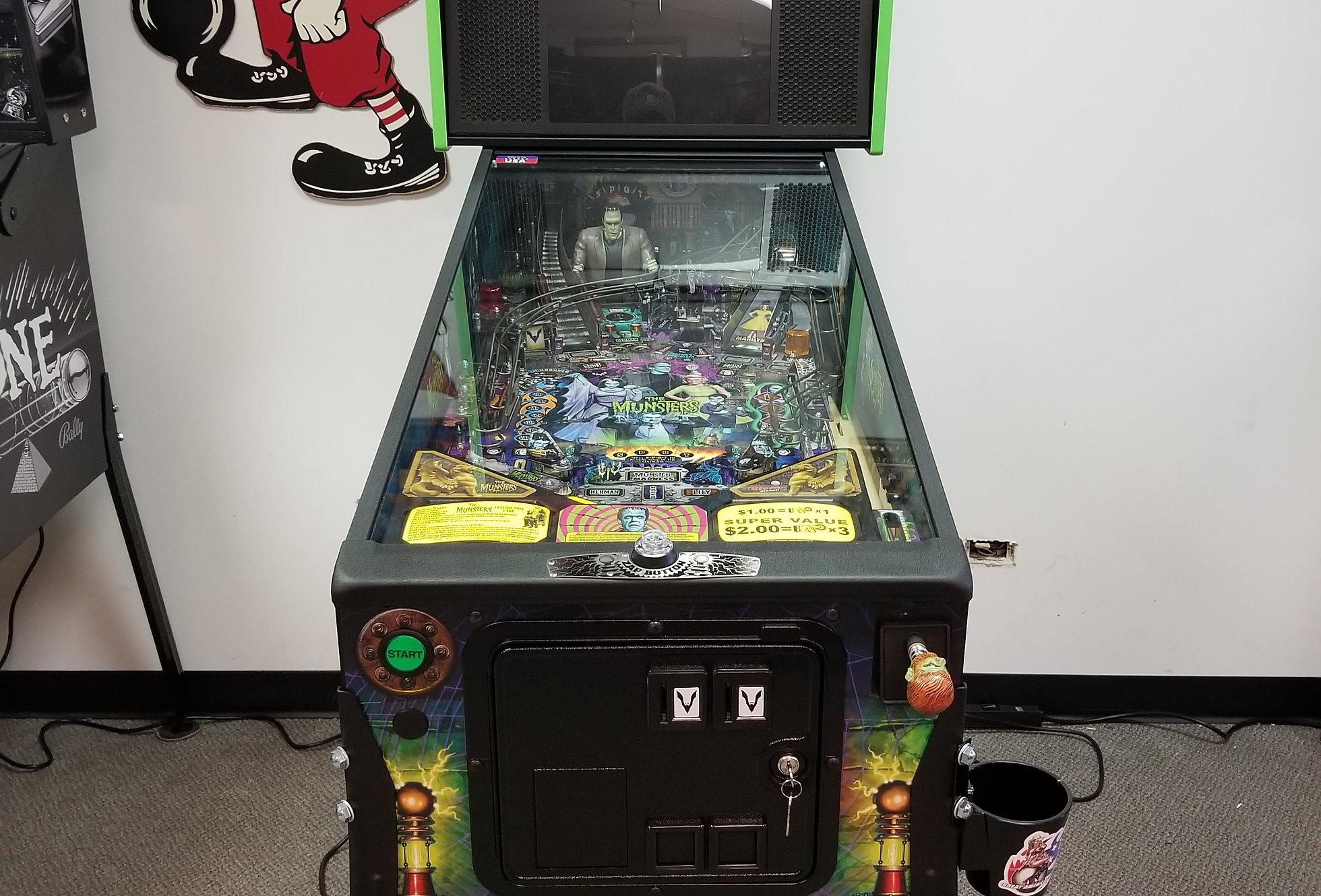 Munsters pinball machine | Pro | website