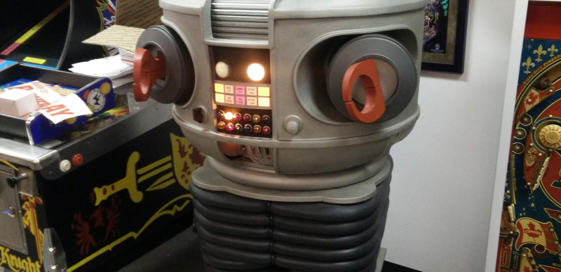 B-9 Robot 02.jpg