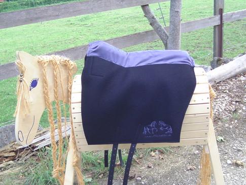 L´amour Klassik Comfort schwarz Comfortpolster: grau Logo: grau