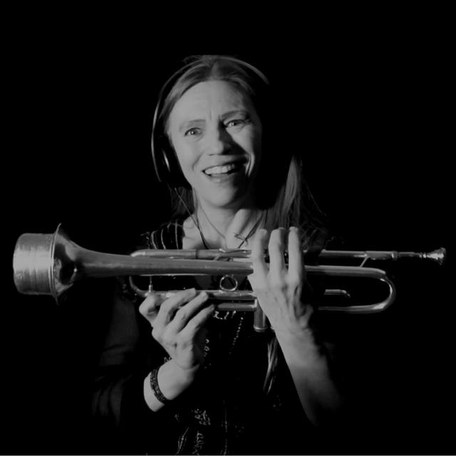 harp / trumpet