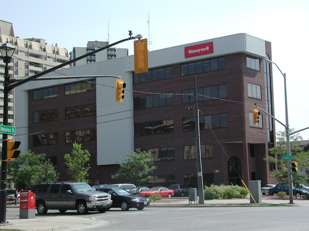 Office Building Dundas St.JPG