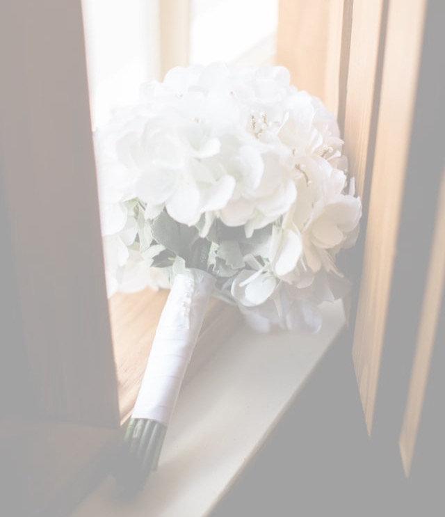 "Bella's ""Gold"" Wedding"