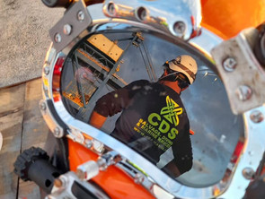 Diving operations running smooth and sweet with our new Halloween pumpkin hat...!!!