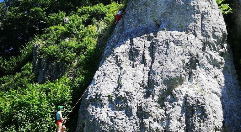 Trudność skałek dostosowana jest do umiejętności uczestników