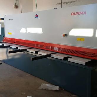"""גיליוטינה DURMA 4 מטר עד 13 מ""""מ"""