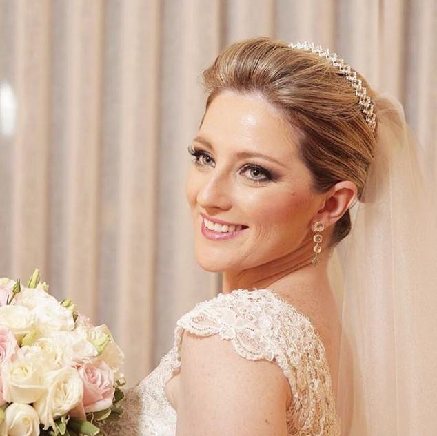 #noiva linda e feliz  produzida por mim