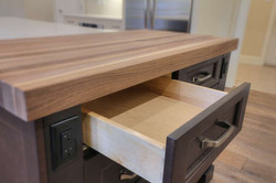 WOOD DOVETAIL SOFT CLOSE DRAWERS