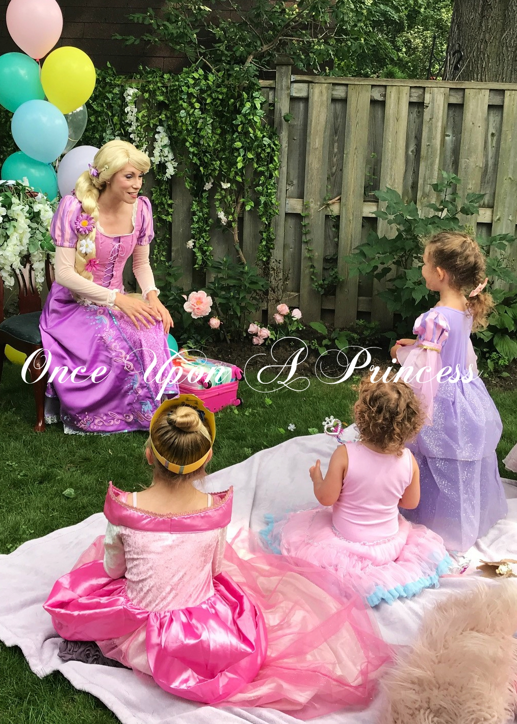 rapunzel once upon a princess party toro