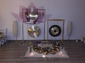 gongi i misy BW 1.jpg