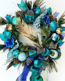A stunning Peacock luxury wreath, in tea