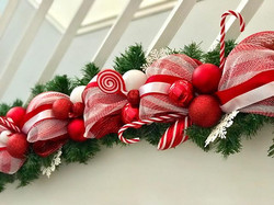 Bannister garland in Candy Cane Delight
