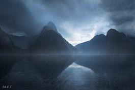 迷霧中的Milford Sound