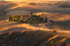 夕阳下的农庄