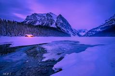 日出前的露易斯湖
