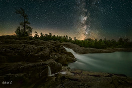 The milky way above Moon River Falls 2