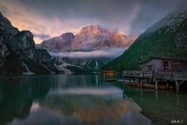 布拉伊埃斯湖的日出