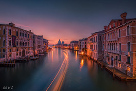 日出前的威尼斯