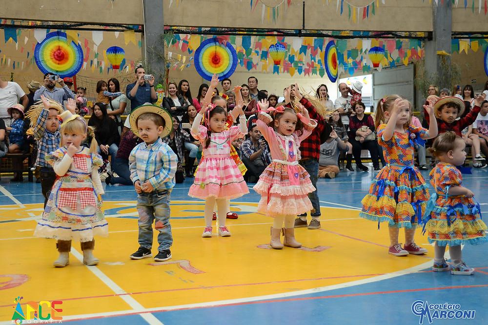 Apresentção da Educação Infantil Colégio Marconi Guarulhos