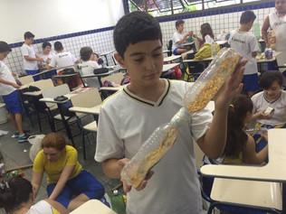 Construindo instrumentos na aula de música