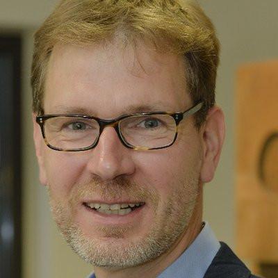 Dr. Karsten Timmer
