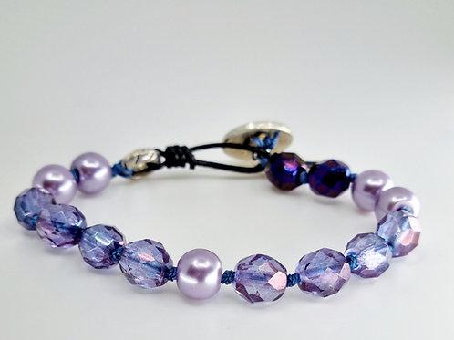 Hillary bracelet in Purple