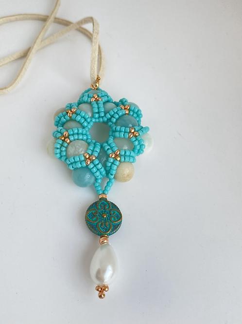 Daisy necklace -aqua
