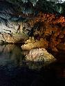 grotta con acqua.jpg