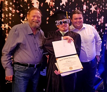 Proud Family and Graduate