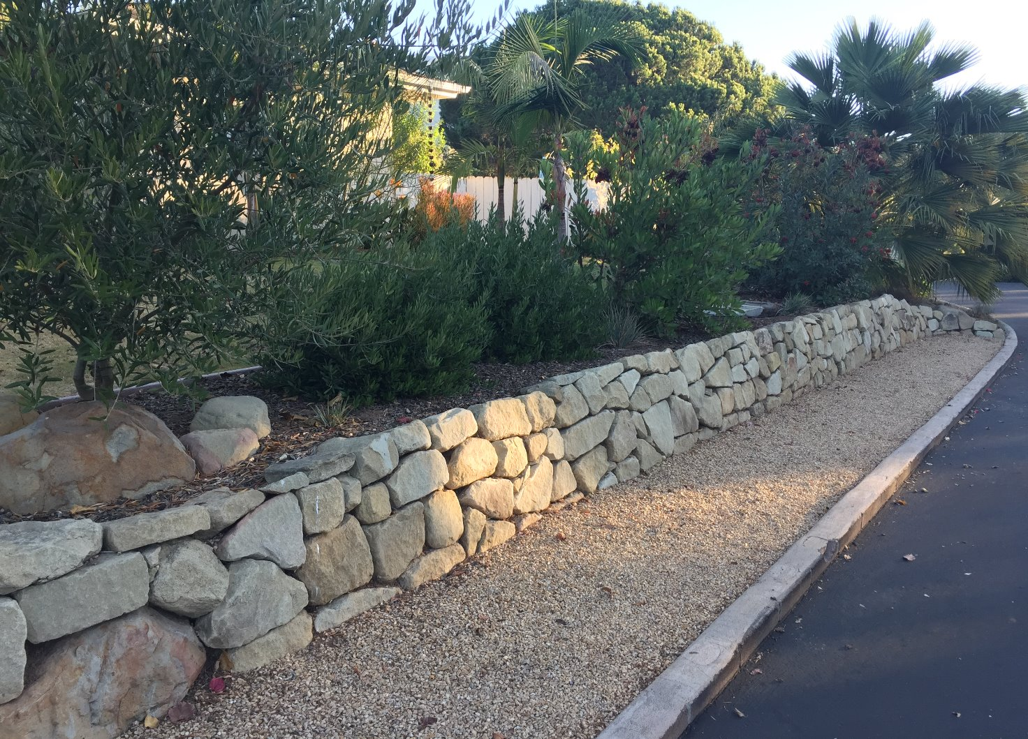 Natural Sand Stone Retaining Wall