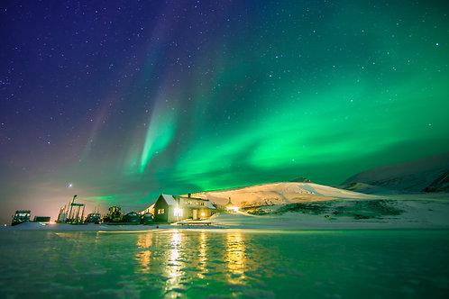 Aurore verte violette Svalbard